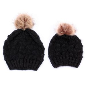 Pair of pom-poms, pair of people