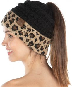 Black-leopard beanie with ponytail hole