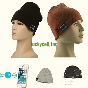 Cuffless knit beanie with built-in headphones in many colors