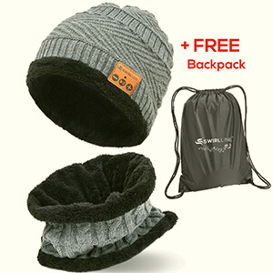 Fleeced gray beanie with headphones