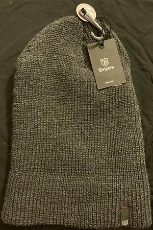 Gray slouchy knit skater beanie