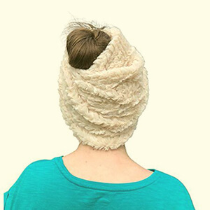 Ivory-beige faux fur beanie with ponytail hole