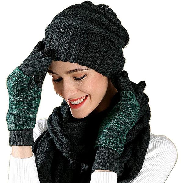 Trendy Pom-Pom Beanie with winter set