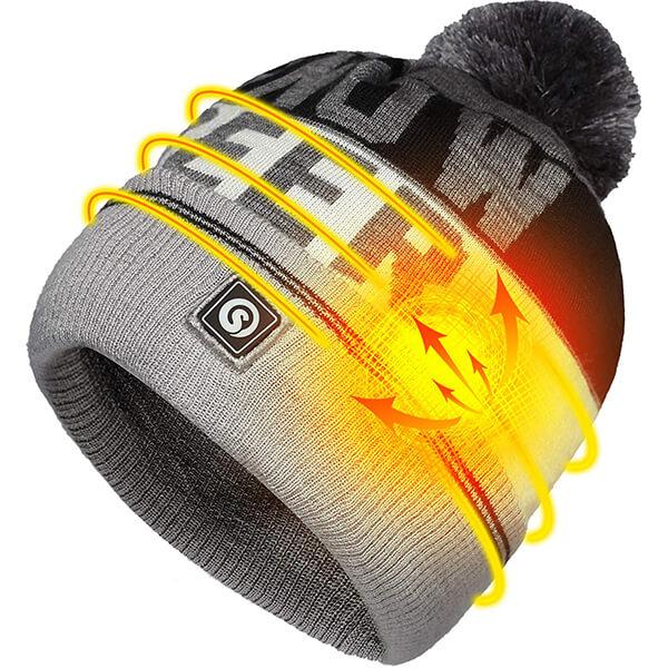Pom-pom heat beanie for cold temperatures