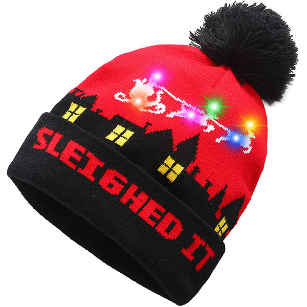 Stylish light-up Christmas beanie for you