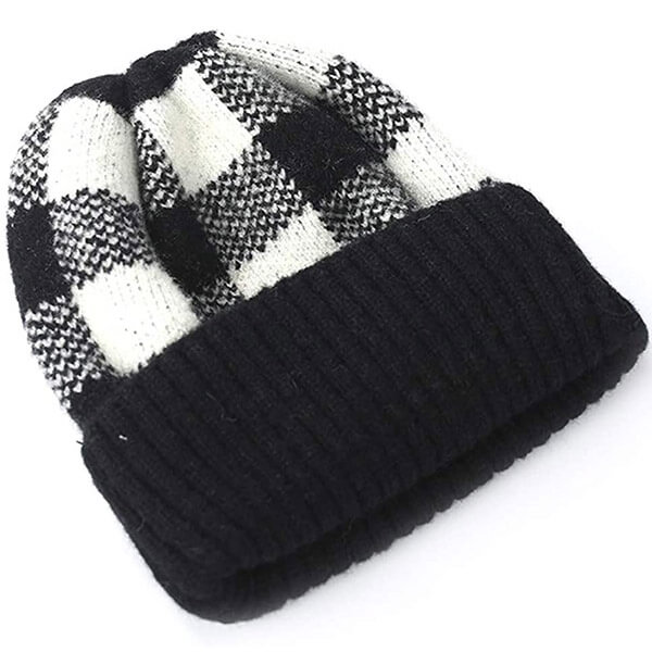 100% acrylic black white checkered beanie