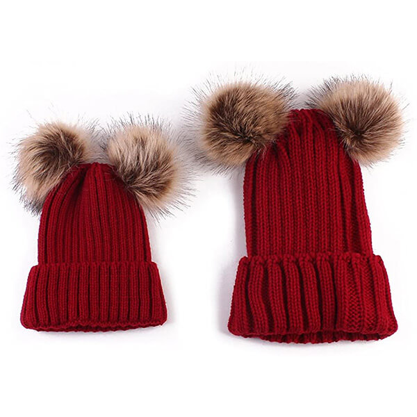Double pom-pom beanies for you and your child