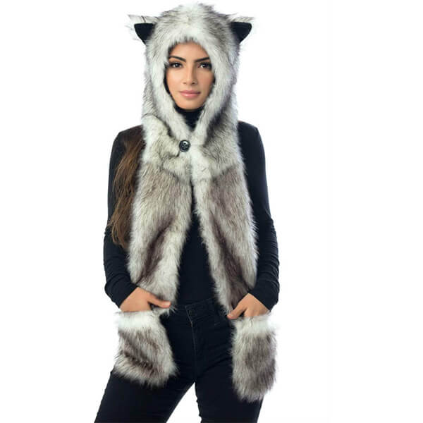 Luxurious Wolf Beanie With Zipper Pocket and Button