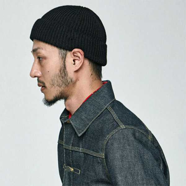Slouchy fisherman beanie for winters