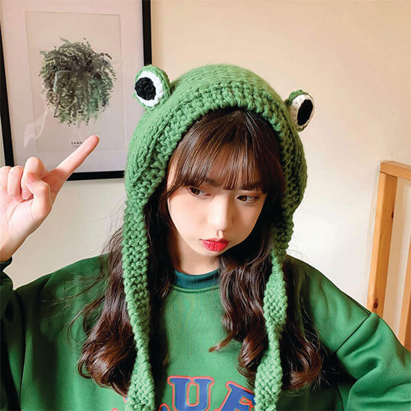 Wool Knitted Frog Beanie with Tie Straps for Adults